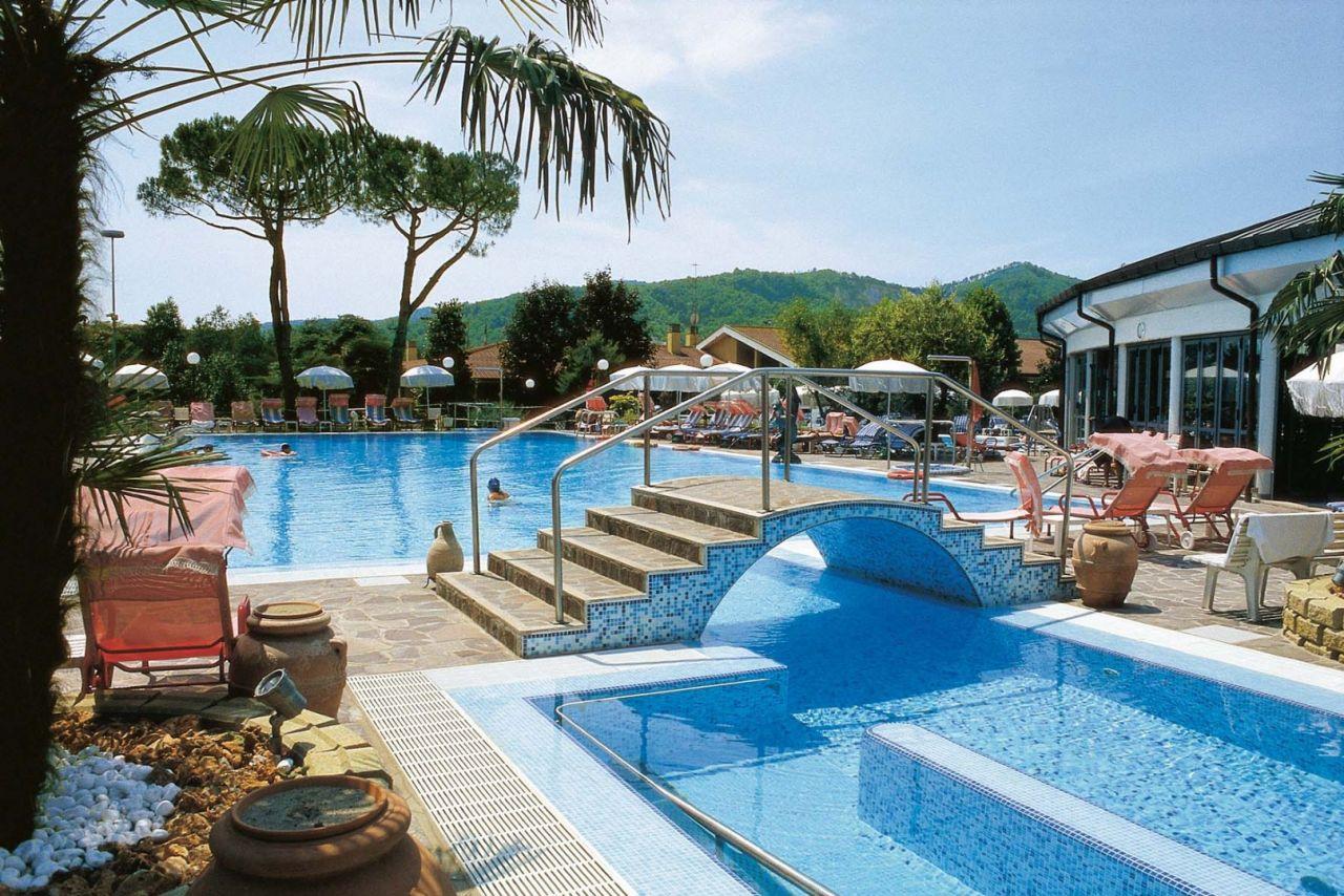 Hotel terme petrarca a montegrotto colli euganei - Hotel con piscine termali all aperto ...