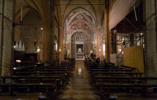 Interno chiesa monteortone